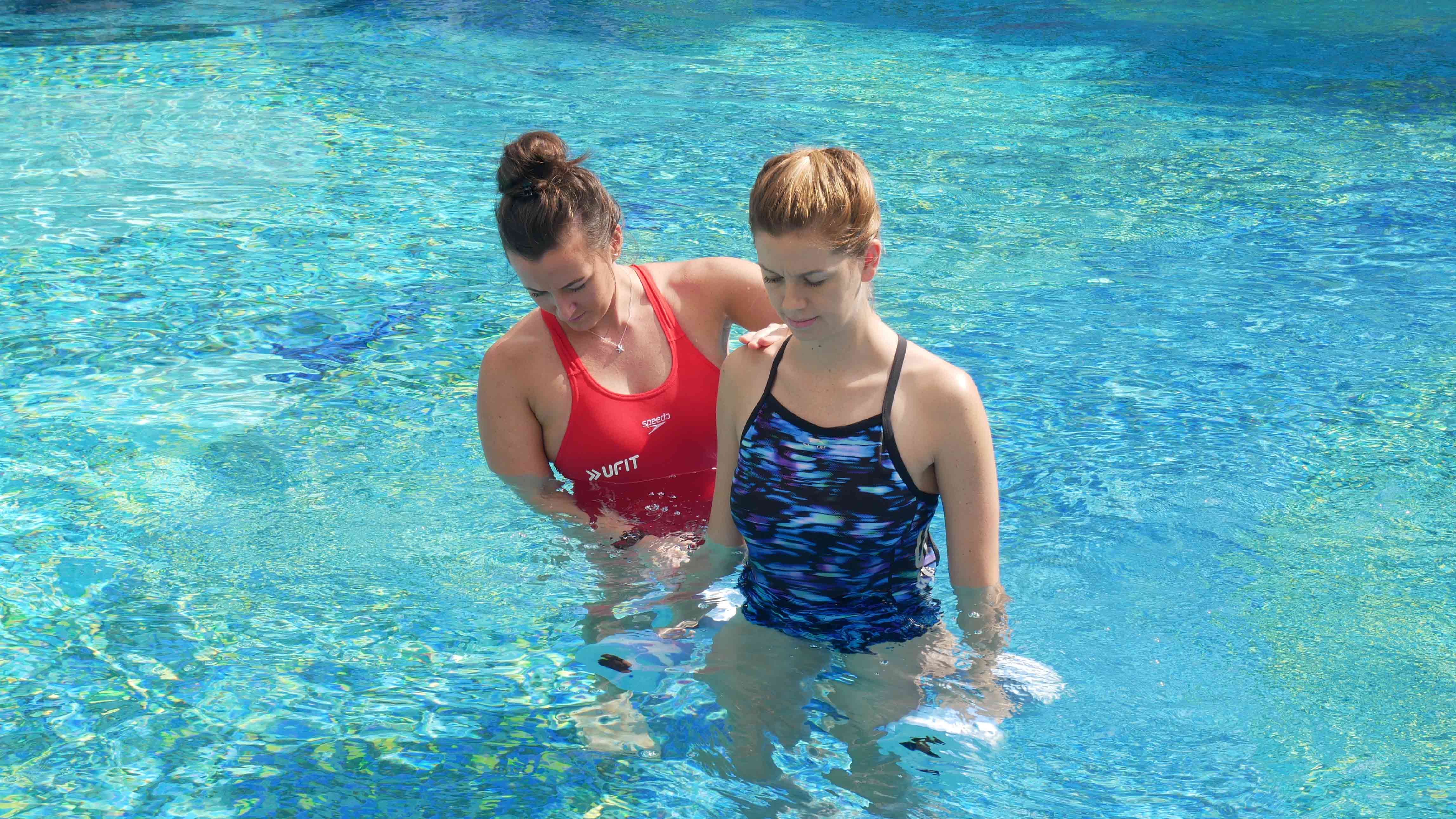 Hydrotherapy-in-the-pool