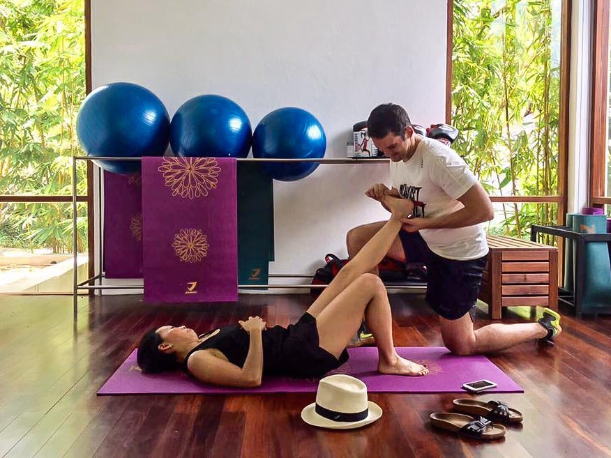 UFIT Clinic's senior physiotherapist working with Michelle.