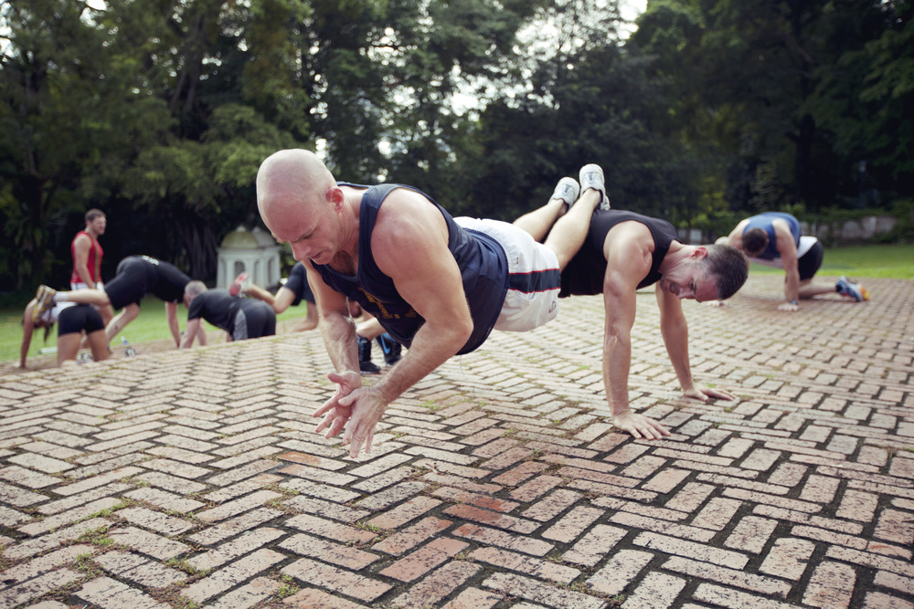 Push-Up Claps in Fort Canning (Black Session)